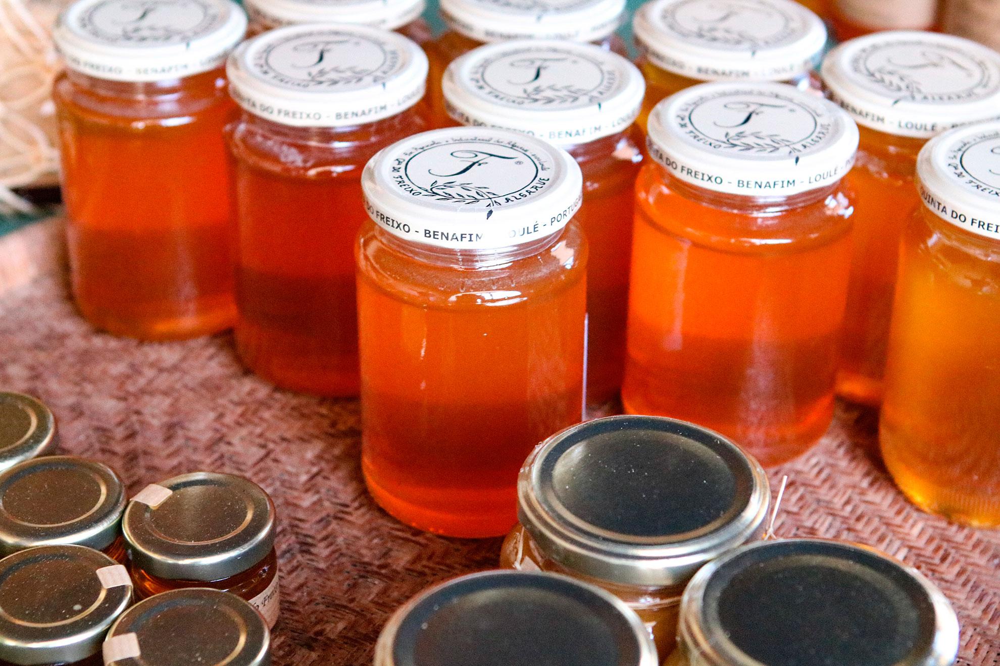 honey_bee_mel_produto_local_quinta_do_freixo_saudavel_algarve_tour_produto_regional