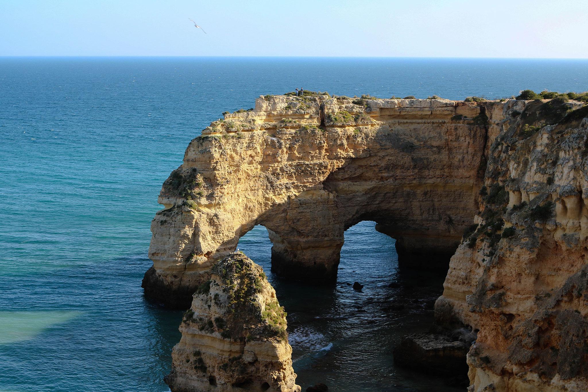 Praia_da_marinha_algarve_tour_trips_beleza_natural