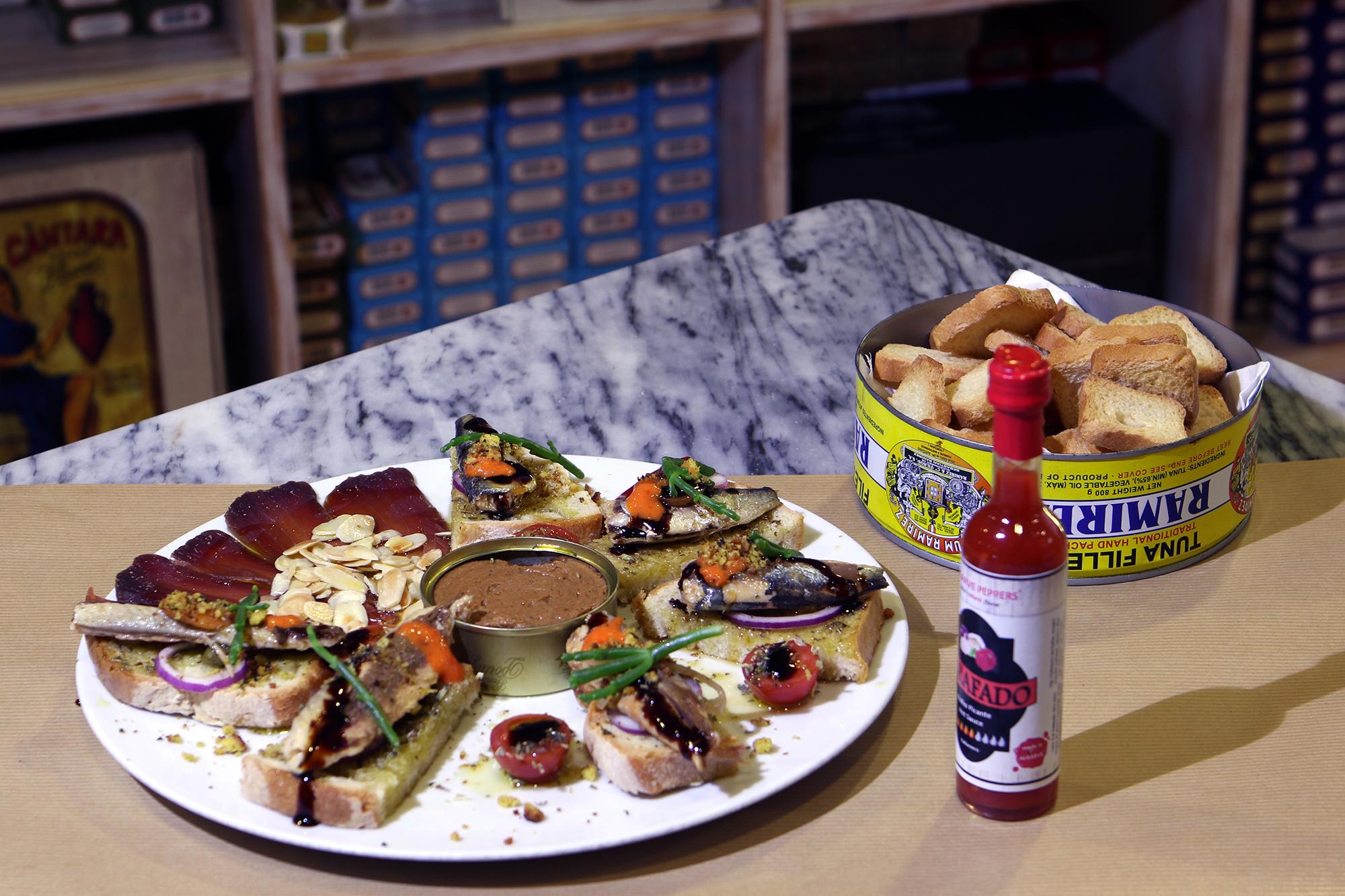 Food_Tour_Portimao_Cavala, Muxama e Paté de Sardinha